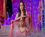 Sasural Simar Ka 2 Episode 39; Reema force's Choti Simar to dress up in bride attire so that she can escape for her competition. Watch the sneak peek of the forthcoming episode and find out more.. Watch Video to know more.<br/><br/>#SasuralSimarKa2 #ChotiSimar #SasuralSimarKa2Promo